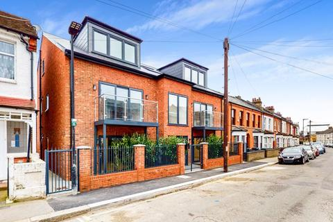 2 bedroom apartment for sale - Greyhound Road, London, N17
