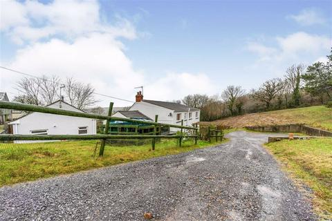 8 bedroom property with land for sale - Amroth Road, Llanteg, Narberth