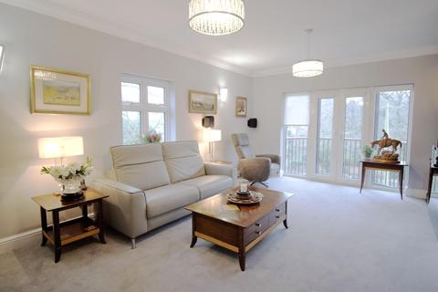 3 bedroom flat for sale - St. Marks Avenue, Salisbury