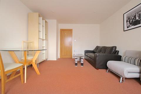 1 bedroom flat to rent - Newport Avenue, London