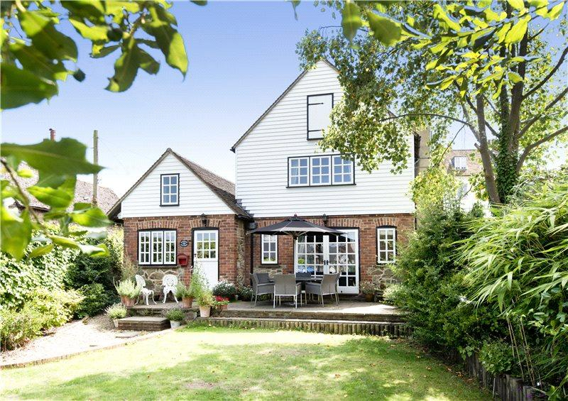 4 Bedrooms Detached House for sale in The Green, Westerham, Kent, TN16