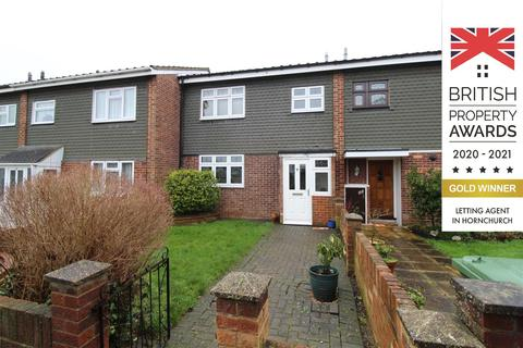 3 bedroom terraced house to rent - Elmhurst Drive, Hornchurch