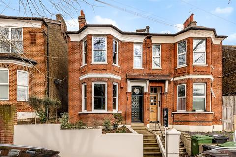 4 bedroom semi-detached house for sale - Thornlaw Road, London