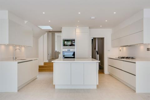 4 bedroom terraced house to rent - Basuto Road, SW6