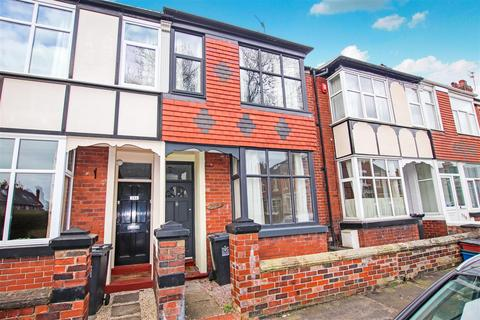 3 bedroom townhouse for sale - Oxford Road, May Bank, Newcastle, Staffs