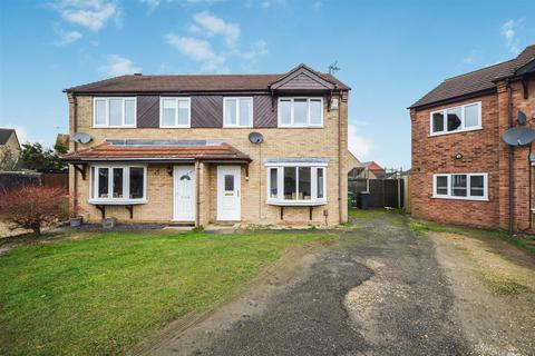 3 bedroom semi-detached house to rent - Chedworth Road, Lincoln