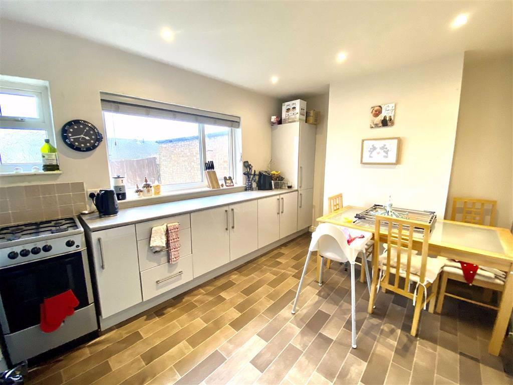 Spacious breakfast Kitchen / Dining Room (rear)