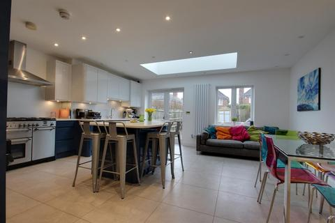 5 bedroom townhouse for sale - Culverhouse Way, Chesham