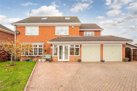 5 bedroom detached house for sale - St. Johns Close, Swindon, DY3 4PQ