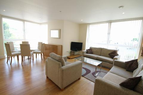 3 bedroom apartment to rent - 73a Drayton Park, London, N5
