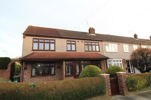 3 bedroom end of terrace house for sale - Kennet Close, Upminster, Essex, RM14