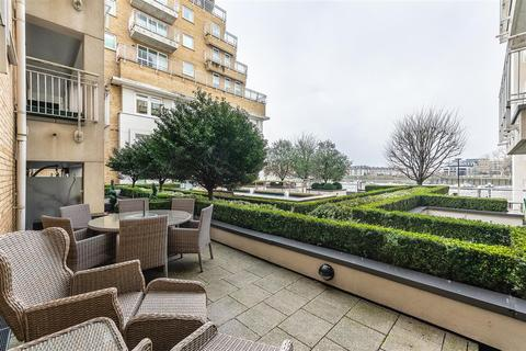 2 bedroom flat for sale - Lombard Road, SW11