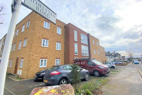 2 bedroom flat to rent - Jai Apartment, Athelstan Road, Romford, RM3