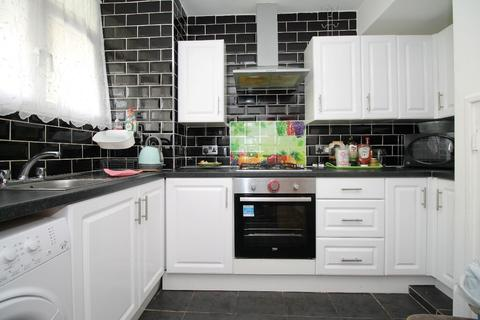 3 bedroom maisonette to rent - Southwater Close, Limehouse, E14