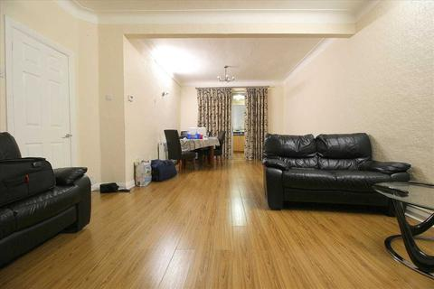 3 bedroom terraced house to rent - Clifton Road, Ilford