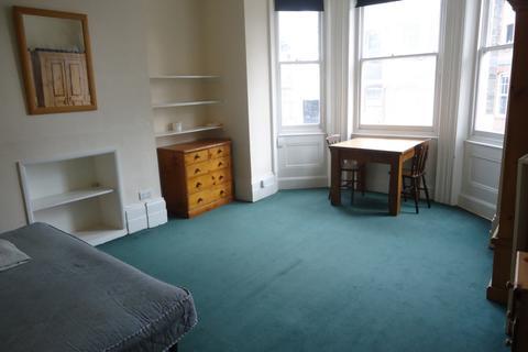 Studio to rent - Southwood Lane, Highgate, N6