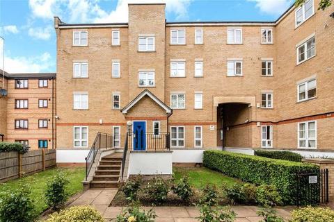 2 bedroom flat to rent - Wheatsheaf Close