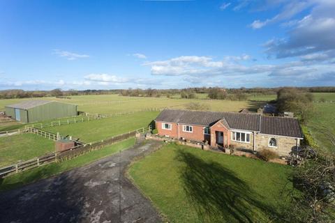 4 bedroom equestrian property for sale - Drome Road, Copmanthorpe, York, YO23