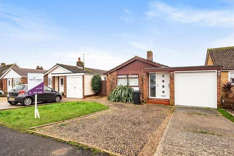 3 bedroom detached bungalow for sale - Drift Road, Selsey, PO20