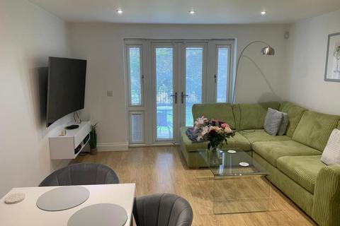 2 bedroom apartment to rent - Taplow,  Berkshire,  SL6