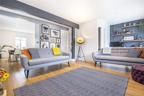 2 bedroom maisonette for sale - Hallowell Road, Northwood, Middlesex, HA6
