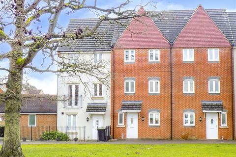 4 bedroom house for sale - Mazurek Way, Swindon, SN25