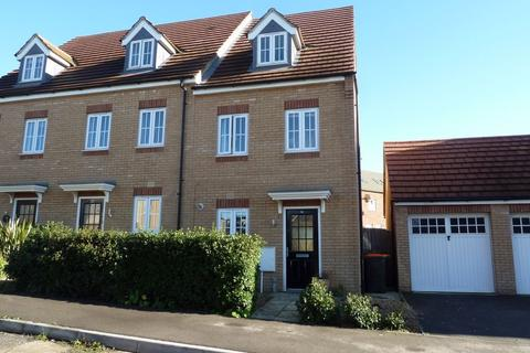 3 bedroom semi-detached house to rent - Turnham Drive, Leighton Buzzard, Bedfordshire