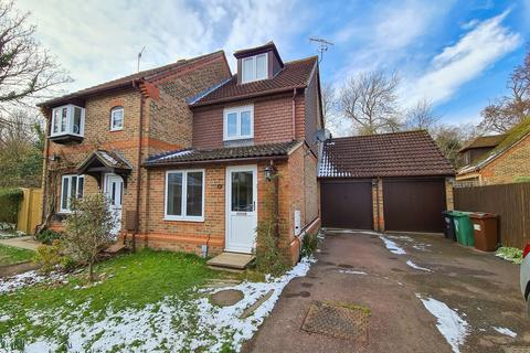 3 bedroom semi-detached house to rent - Swans Ghyll, Priory Road, Forest Row