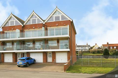 5 bedroom townhouse for sale - Pavilion Road, Gorleston