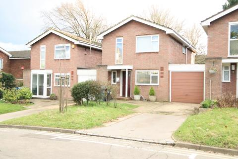 4 bedroom detached house to rent - Stambourne Way, Upper Norwood, Crystal Palace, London SE19