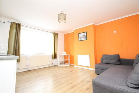 3 bedroom maisonette to rent - Tillotson Road, N9