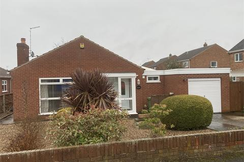 3 bedroom detached bungalow for sale - Crown Close, Collingham,