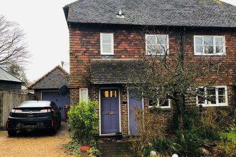 2 bedroom semi-detached house to rent - School Lane Fittleworth RH20