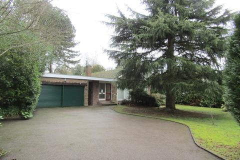 3 bedroom detached bungalow to rent - Middleton Road, Streetly
