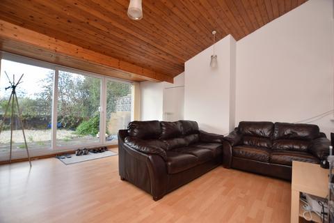 3 bedroom semi-detached house to rent - Timber Dene