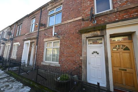 4 bedroom flat for sale - Stanton Street
