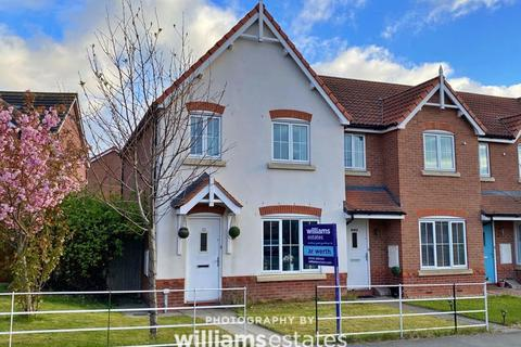 3 bedroom terraced house for sale - Dyserth Road, Rhyl