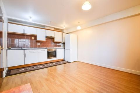 1 bedroom flat to rent - Sandringham Road, London, E8 2LQ