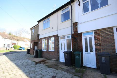 6 bedroom house to rent - Upper Bevendean Avenue, Brighton,