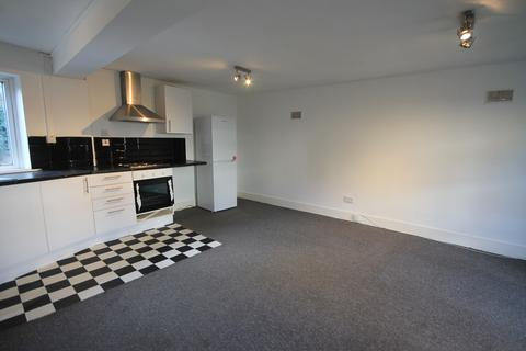 Studio to rent - Willoughby Lane, Tottenham