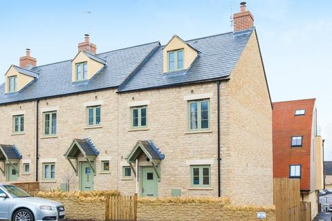 3 bedroom terraced house to rent - Newland, Witney