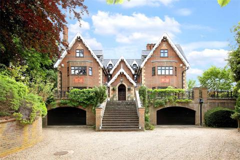 7 bedroom detached house for sale - Main Drive, Gerrards Cross, Buckinghamshire, SL9