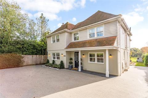 4 bedroom detached house to rent - Long Lane, Bovingdon, Hemel Hempstead, Hertfordshire, HP3