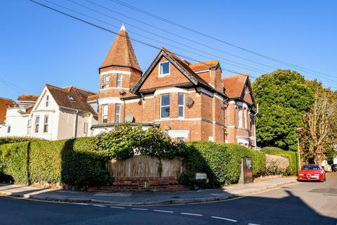 2 bedroom flat to rent - Boscombe, ,