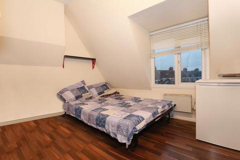 Studio to rent - Whittington Road, Bounds Green. N22