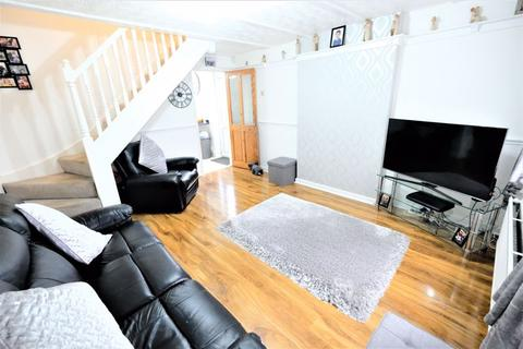 2 bedroom semi-detached house for sale - Corinthian Avenue, 'M7', Salford