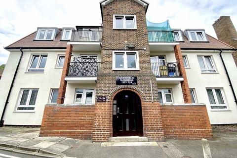 2 bedroom flat for sale - Barnfield Gardens, Plumstead Common Road, London