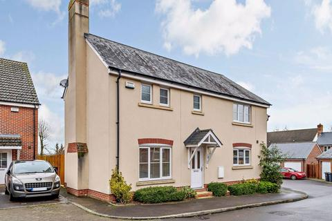 3 bedroom semi-detached house for sale - Pilgrims Way, Laverstock, Salisbury