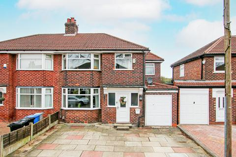 5 bedroom semi-detached house for sale - Newbury Drive, Davyhulme, Manchester, M41