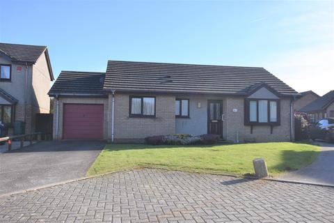 2 bedroom detached bungalow for sale - Merritts Way, Pool, Redruth